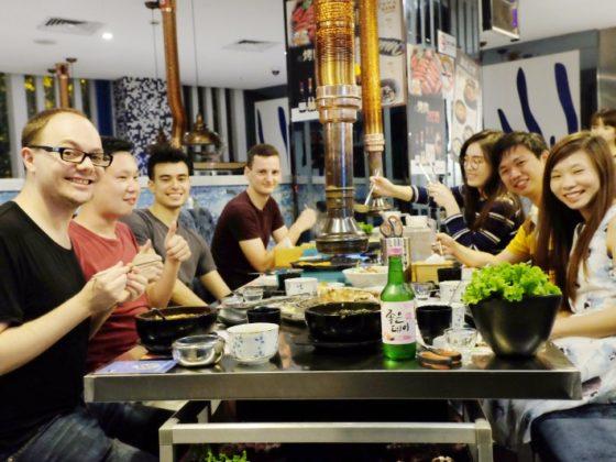 Ужин учеников и команды в Шанхае
