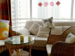 Зал в съемной квартире в Пекине